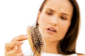 Tóc bị rụng nhiều là bị bệnh gì?