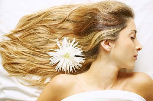 Nguyên nhân và cách điều trị rụng tóc ở phụ nữ