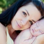 Hỏi đáp: Nguyên nhân gây rụng tóc sau khi sinh