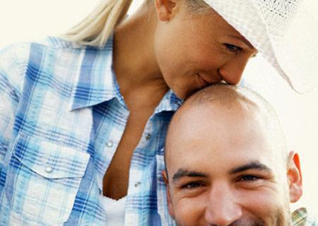Hói đầu sớm có phải là biểu hiện của yếu sinh lý?
