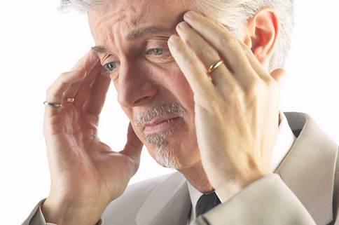 Hói đầu sớm ở nam giới – dấu hiệu sớm của bệnh gì?