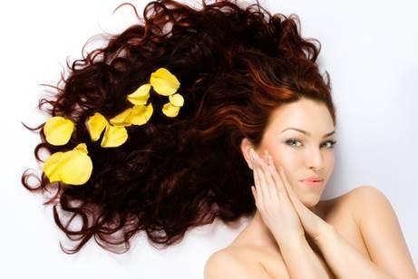 Bí quyết chăm sóc mái tóc khô xơ, chẻ ngọn