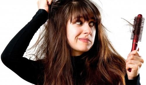 Rụng tóc nhiều khi gội đầu: Chỉ thay đổi dầu gội thì không đủ